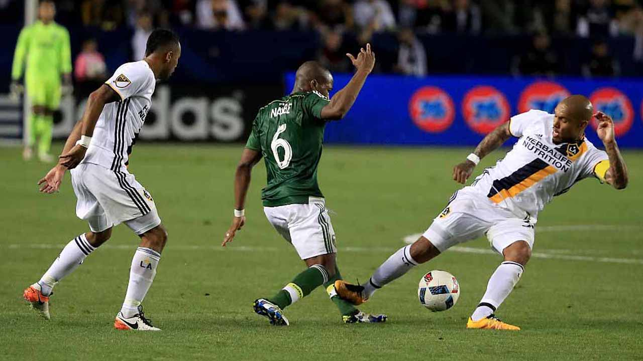 Nagbe has sprained ankle from de Jong, return uncertain