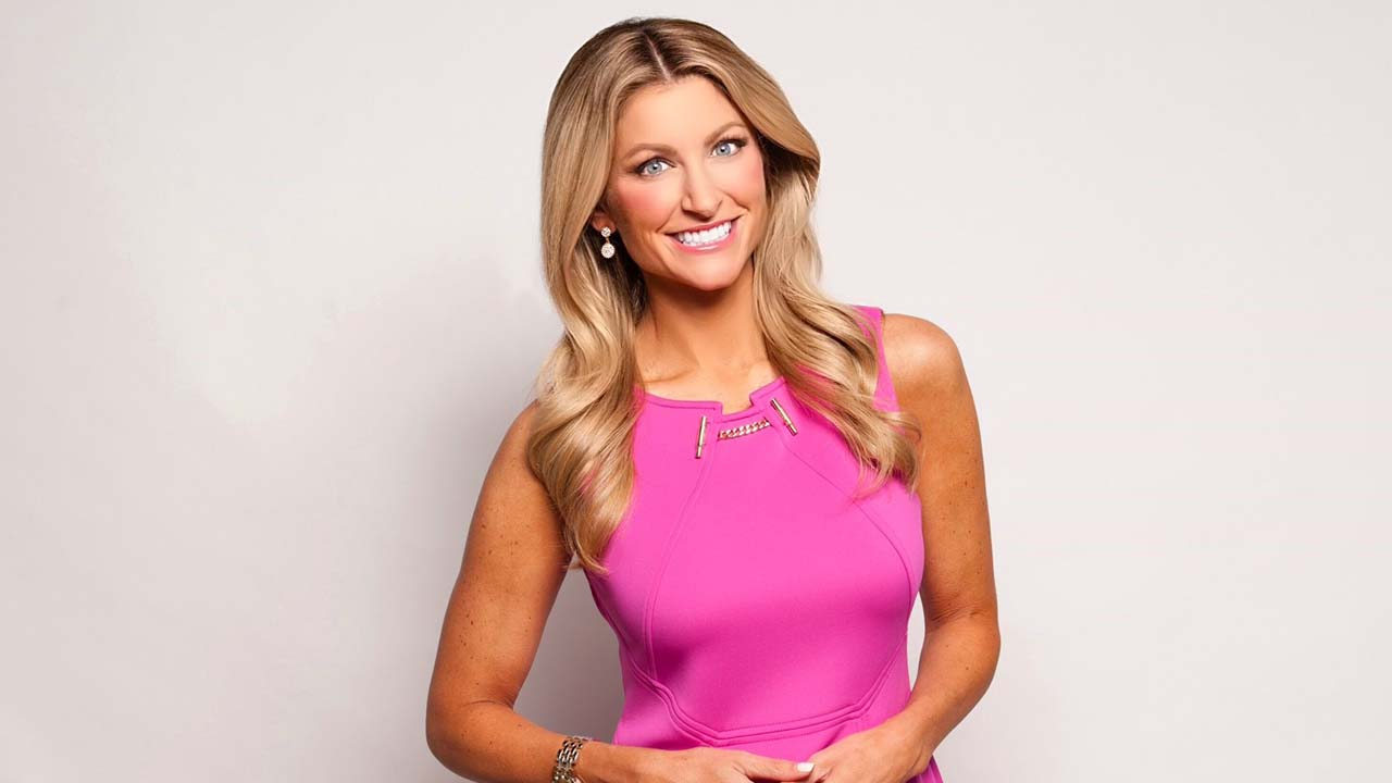 Mckinzie Roth - Bio, Age, Body Measurements, Married, Husband