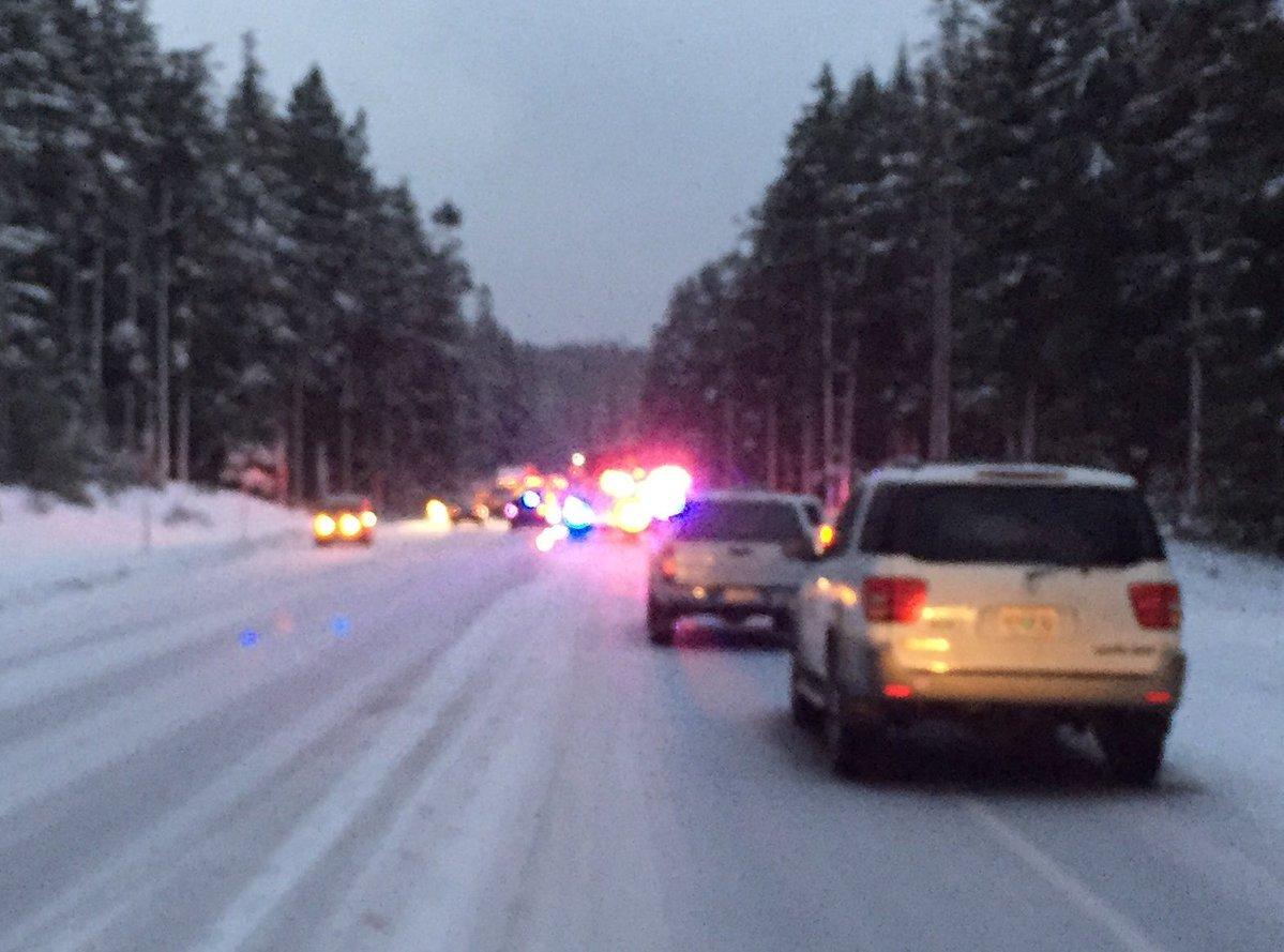 One dead in crash on snowy Highway 26 - Portland news - NewsLocker